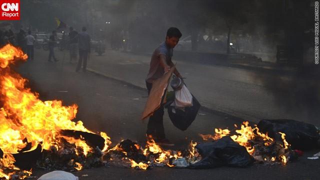 Manifestantes opositores muestran indignación en las calles de Venezuela
