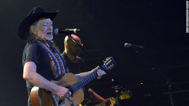 Willie Nelson turns show into benefit for West