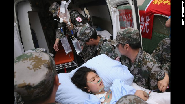 &quot;Necesitamos todo&quot;, dice una sobreviviente del terremoto en China