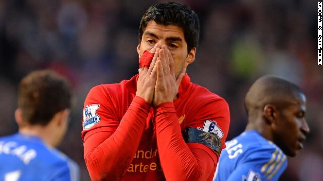 Luis Suárez y el mordisco que no estaba en el guión del partido