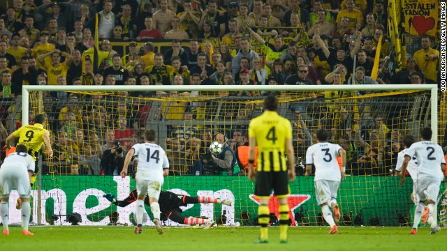 Just 12 minutes later Dortmund was given a penalty after Marco Reus was fouled by Xabi Alonso and Lewandowski stood up to fire home from 12-yards.