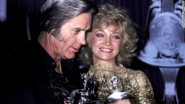 Jones and Barbara Mandrell pose during the 1991 Academy of Country Music Awards in Los Angeles.