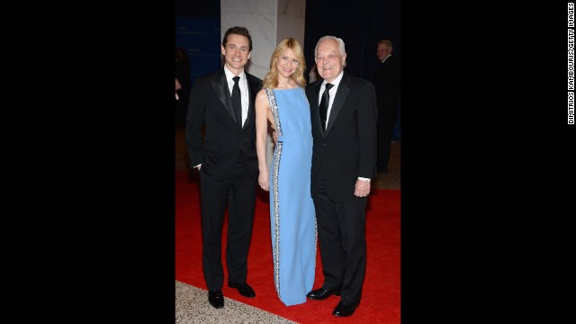Hugh Dancy, Claire Danes and Bob Schieffer arrive on the red carpet.