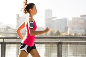Limita salir a correr al aire libre por las tardes
