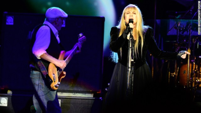 Fleetwood Mac releases new music for the first time in 10 years
