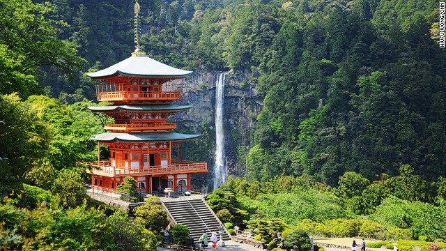 One of the highlights. Nachi Falls, at 133-meters high, is the biggest waterfall in Japan. It steals some spotlight from the last grand shrine, Kumano Nachi Taishai. This picture was taken at a top-secret sweet spot, shared by the local head priest. I promised not to tell. So forget about the viewing platform near the Taishai.