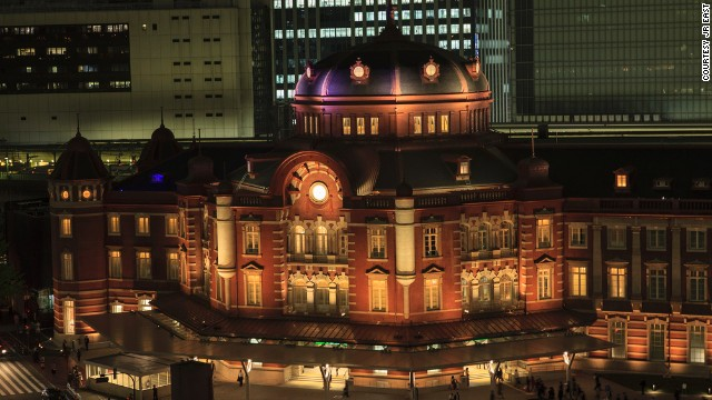 Kingo Tatsuno, a prominent architect of the Meiji Period at the turn of the last century, designed the station in a distinctly Western style after time spent studying in Europe.