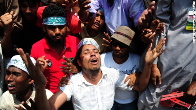 Islamist demonstrators pray during protests on May 5.
