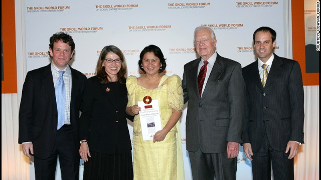Oebanda with President Jimmy Carter at the 2008 Skoll World Forum where she recieved the Skoll Award for Social Entrepreneurship