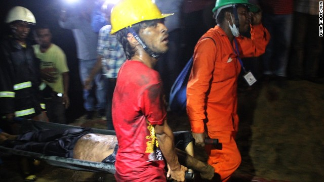 Al menos siete muertos tras incendiarse una fbrica en Bangladesh