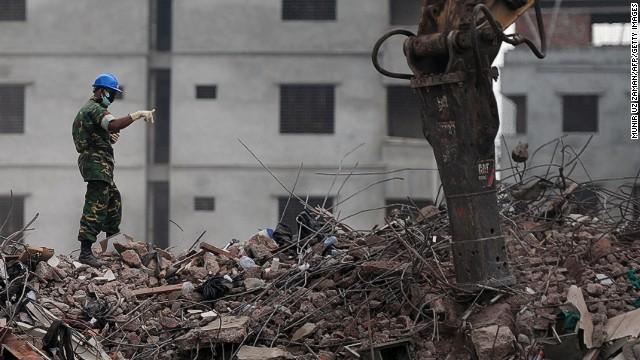 Un centenar de fábricas textiles cierran indefinidamente en Bangladesh