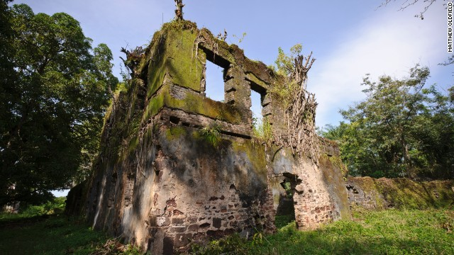 Bunce Island, in Sierra Leone, was a British slave trading post in the 18th century. From its shores, tens of thousands of Africans were forcefully shipped to the American colonies.