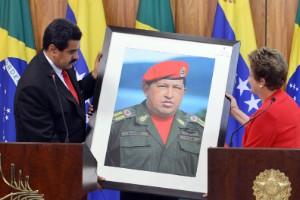 Chávez en forma de pajarito