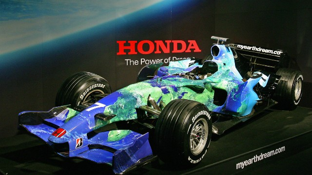 "Honda underlined its interest in greener issues with its ""Earth Car."" The livery was made up of pledges from its F1 fans to make environmental changes to their lifestyle. The car, which ran in 2007, was also unusual as it did not feature advertising on race days."