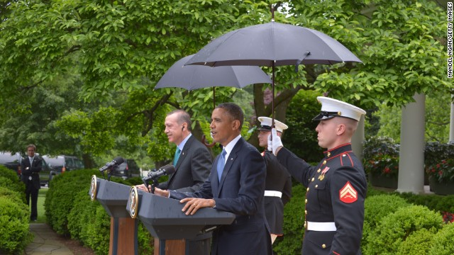 Marines holding umbrellas 'extremely rare'