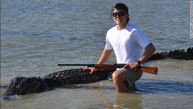 Adolescente caza un cocodrilo de más de 4 metros en Texas