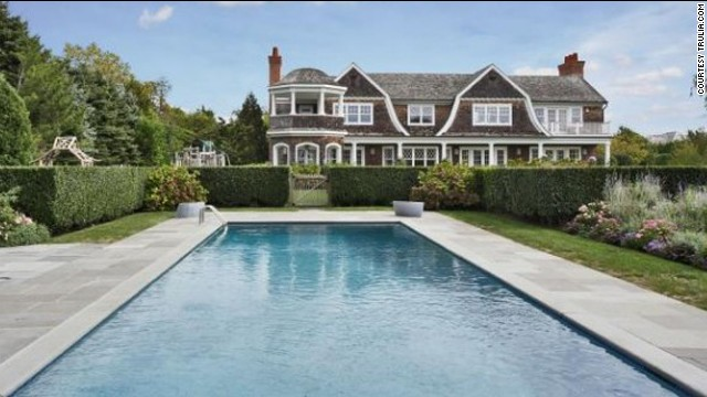 This<a href='http://luxe.truliablog.com/2013/05/14/jennifer-lopez-buys-10-million-mansion-in-the-hamptons/' target='_blank'> mansion with pool in the Hamptons</a> set Jennifer Lopez back a cool $10 million.