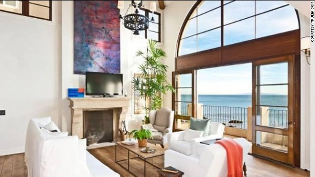 Daisy Fuentes paid $5.75 million for <a href='http://luxe.truliablog.com/2013/04/22/daisy-fuentes-buys-malibu-house/' target='_blank'>this Malibu escape</a> with a spectacular view.