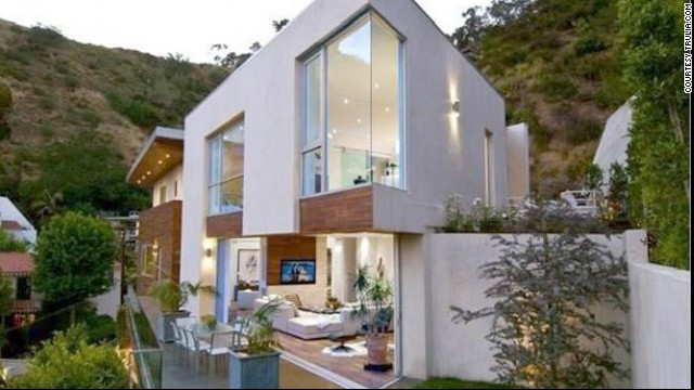 Hugh Hefner bought his 27-year-old wife this modern home in <a href='http://luxe.truliablog.com/2013/05/16/hugh-hefner-buys-house-for-young-wife/' target='_blank'>the Hollywood Hills</a> for $5 million.