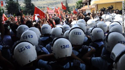 Turkish protesters, police clash at demo