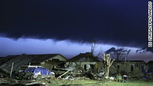 FEMA offers aid to tornado victims