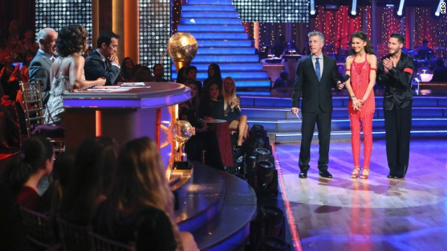 'DWTS' takes moment to honor Oklahoma tornado victims