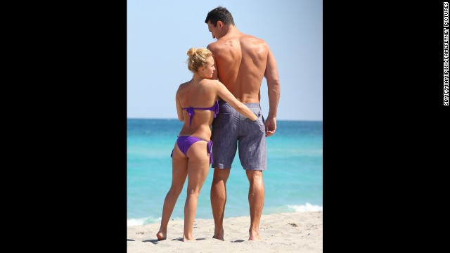 """Nashville"" actress Hayden Panettiere and her rumored fiance, Wladimir Klitschko, enjoyed some time together on the beach with friends in Hollywood, Florida, in March 2013."