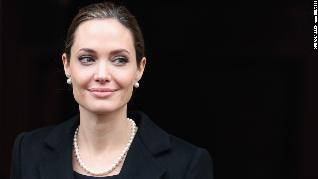 Jolie leaves Lancaster House after attending the G8 Foreign Minsters' conference on April 11, 2013, in London.