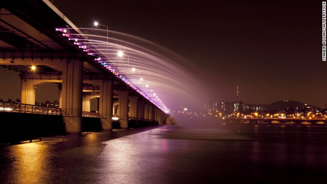 Banpo Bridge, Seoul.