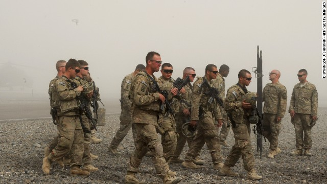 U.S. soldiers from the 10th Mountain Division practice medical evacuation skills at the Ghazni base on May 24