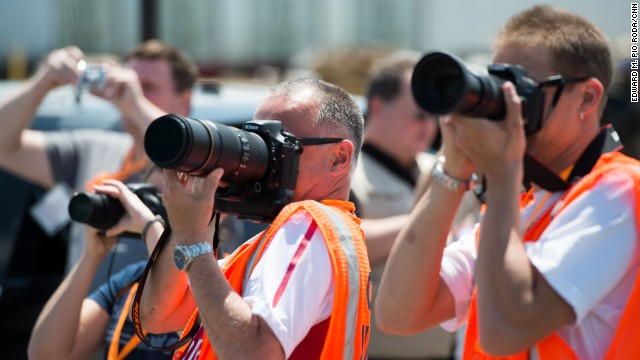 One hundred sixty-two citizen sentinels -- including 13 female members -- volunteered about 5,000 total hours last year helping to guard O'Hare, one of the busiest airports on the planet. Instead of Glocks or Smith & Wessons, spotters prefer to strap on Canons or Nikons.