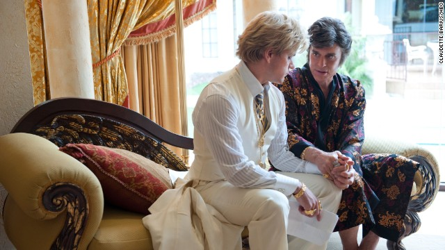 The film looks at the love affair between Liberace, played by Douglas, and Thorson, played by Damon.