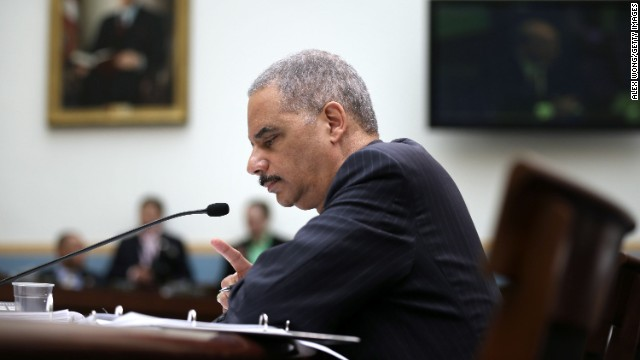 Holder to meet with news execs