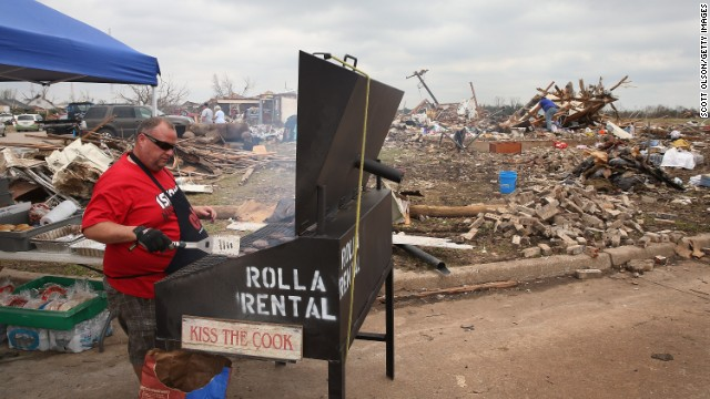 Eddie Jones of the Christian Life Center in Rolla, Missouri, cooks for residents and volunteers helping with tornado relief on May 25 in Moore.