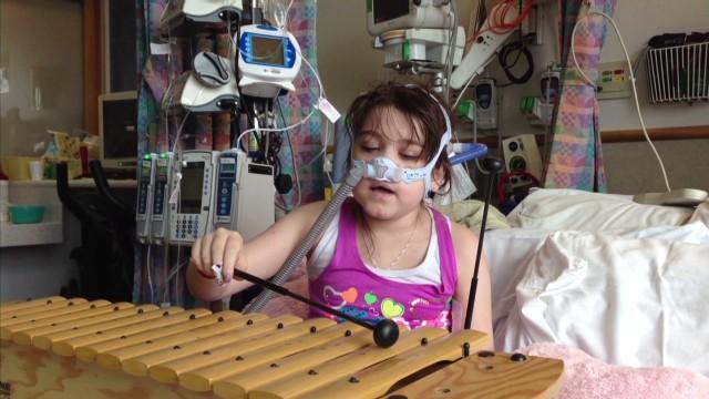 Familia de niña que necesita trasplante dice que no puede esperar al cambio en las leyes