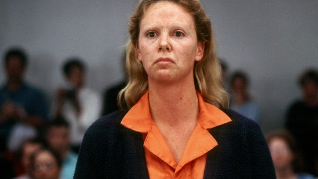 To play serial killer Aileen Wuornos in the film, Theron gained 30 pounds and wore prosthetic teeth throughout filming.