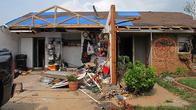 Uncertainty, paperwork greet Oklahoma tornado victims