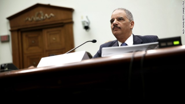 Legisladores indagan si Eric Holder dio un testimonio falso en el caso AP