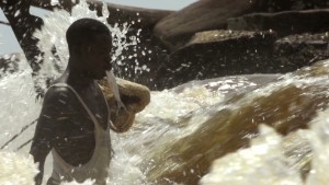 Bourdain looks at Congo-style fishing