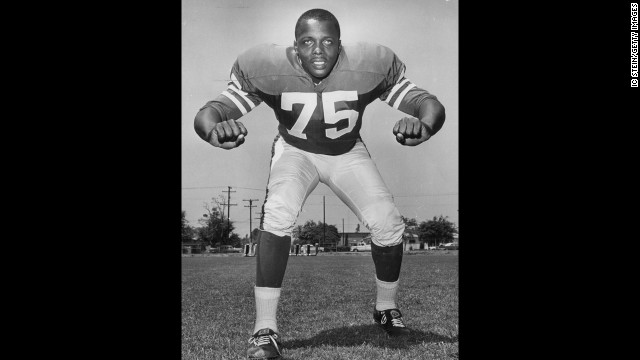 a href='http://www.cnn.com/2013/06/04/us/sport-deacon-jones-death/'David Deacon Jones/a, who is credited with coining the tenure sacking the quarterback during his army as one of the biggest defensive ends in the NFL, has died.