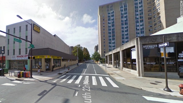 This image from Google Maps shows the building, seen on the left, before the collapse.