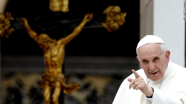 """Papa Francisco: """"Los alimentos que se tiran a la basura son alimentos que se roban de la mesa del pobre"""""""