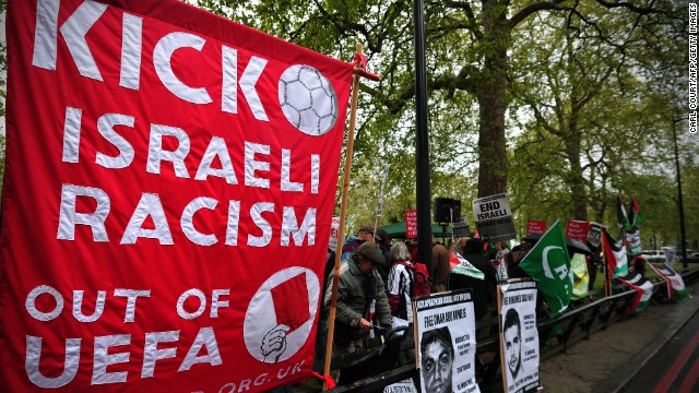 This year Sarsak was part of a protest outside the UEFA Congress in London. Demonstrators were calling for a boycott of the European Under-21 Championship in Israel.