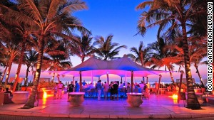 Catch Beach Club: world\'s purplest bar?