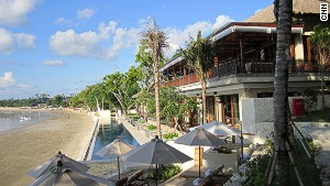 Sundara bar and restaurant blends in well with Bali\'s Jimbaran Bay.