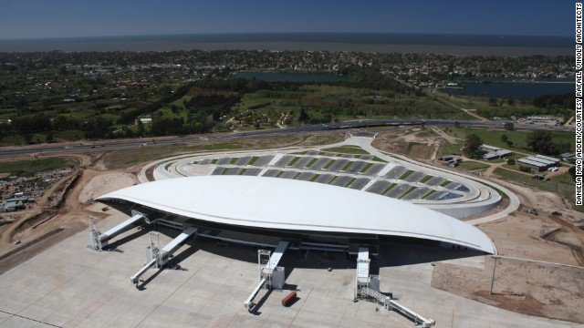 "Architect Rafael Vinoly's swooping design of the Aeropuerto de Carrasco in Montevideo, Uruguay, looks ""wonderful in photographs,"" says Goldberger, who wants to go enjoy this design in person."