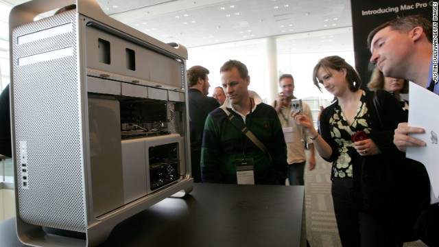 Attendees eyed a new Apple Mac Pro desktop computer at the WWDC in 2006 in San Francisco. Jobs kicked off the conference with announcements of a new Mac Pro desktop computer and a forthcoming Mac OS X Leopard operating system.