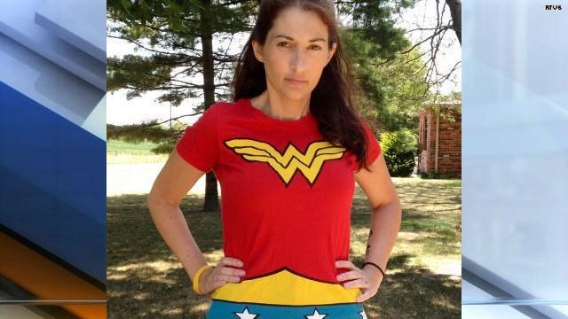 """La """"Mujer Maravilla"""" que lucha contra el cáncer"""