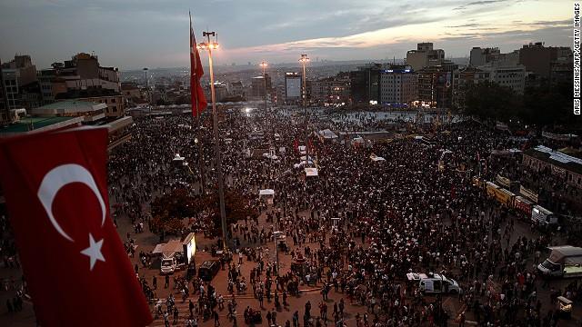 La plaza Taksim de Turquía, símbolo del encuentro de las ideologías