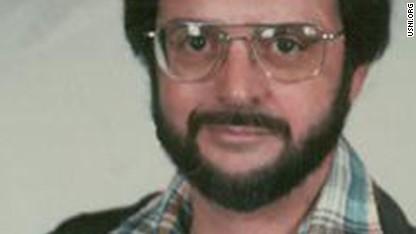 Cold War spy dies in federal prison